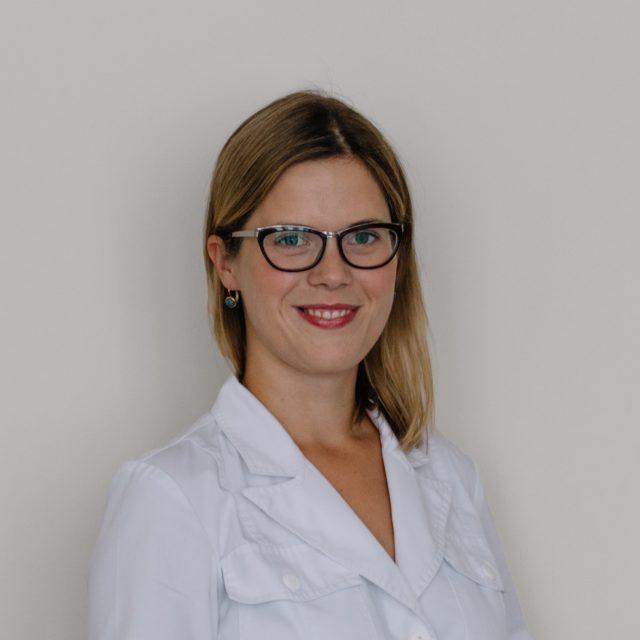 Dr. Laura Rācene
